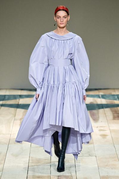 Новая романтика: рассказываем, какие платья носить в новом сезоне