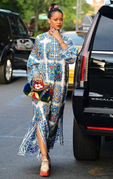 Платье кафтан. Как носить новинку сезона правильно? 10 модных подсказок.