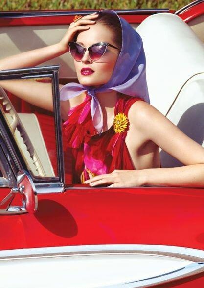 Платки снова в тренде: как носить этот аксессуар весной и летом 2020