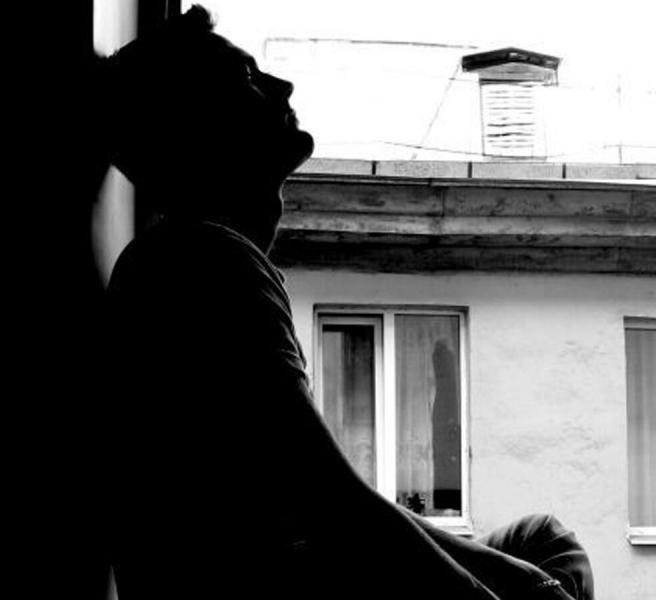 Признаки, что мужчина скучает и ждет