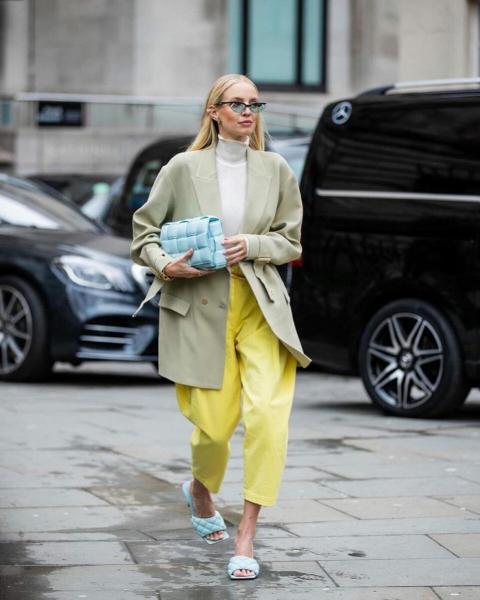 Самые модные джинсы лета 2020 – пастельного оттенка