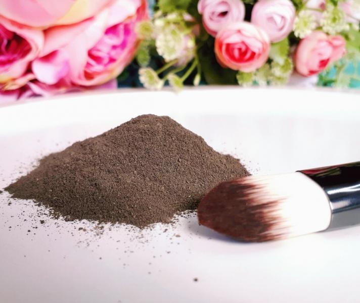 Жалею, что раньше игнорировала метод: клиентка 50+ с идеальной кожей рассказала, как пользуется глиной