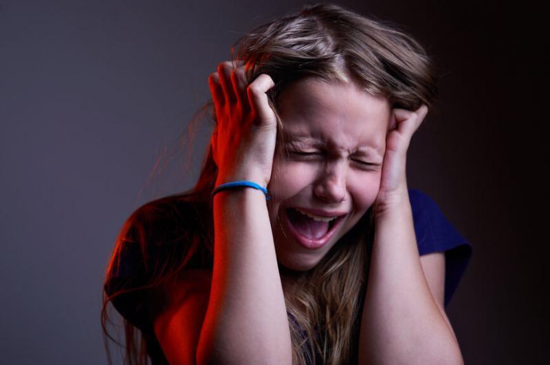 Как реагировать на «истерику» при аутизме