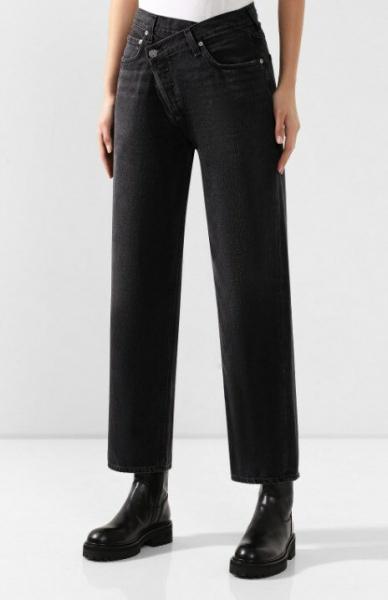 Модные джинсы 2020 - модель с асимметричной застежкой