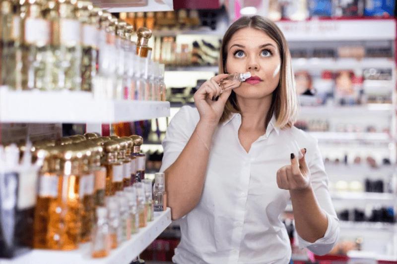 Причины, по которым покупают парфюмерные подделки (и аргументы, почему так не надо)