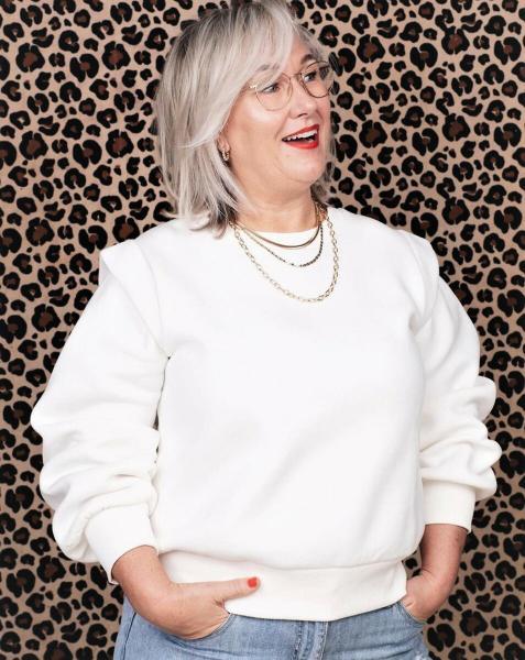 Шикарные идеи стрижек для женщин старше 50 на разную длину