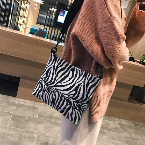 Француженки выбирают: как носить одежду с принтом зебра