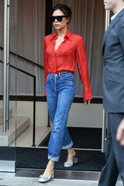 5 вещей, которые женщина с хорошим вкусом носит с джинсами