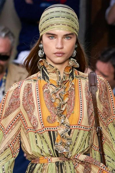 И в 20, и в 50: как правильно выбрать модную стрижку и подобрать серьги, чтобы выглядеть стильно