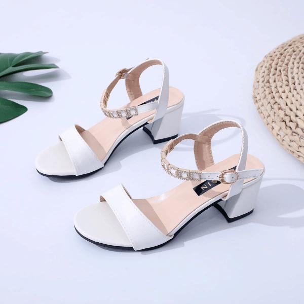 Стиль в жару: какую обувь вам будет носить комфортнее
