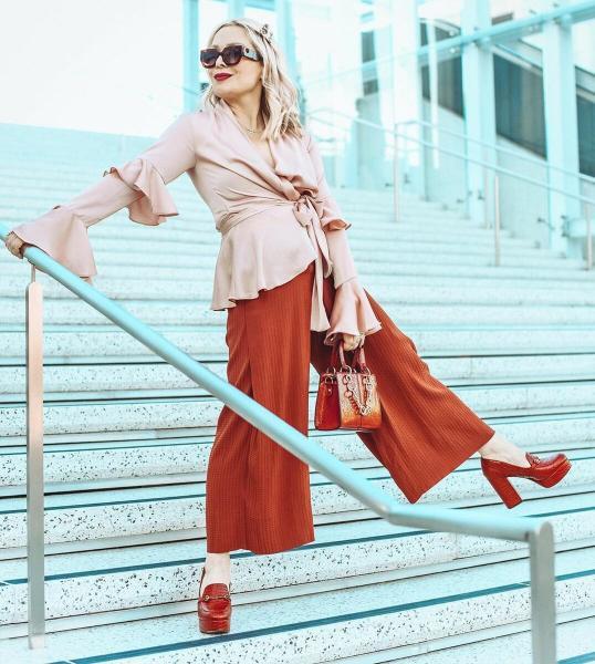 10 роскошных идей что носить женщинам 50 лет осенью 2020