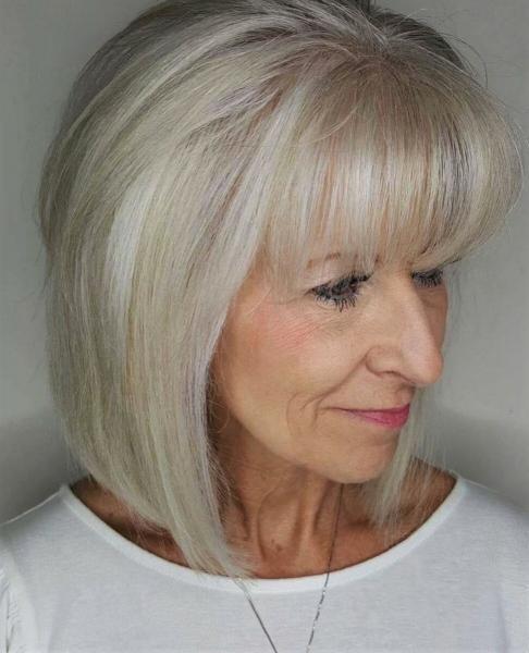 Красивые вариации стрижек для дам старше 60 лет, которые делают их моложе