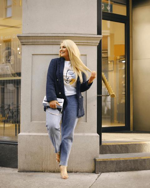 Стильные и женственные повседневные и деловые образы plus size на начало осени