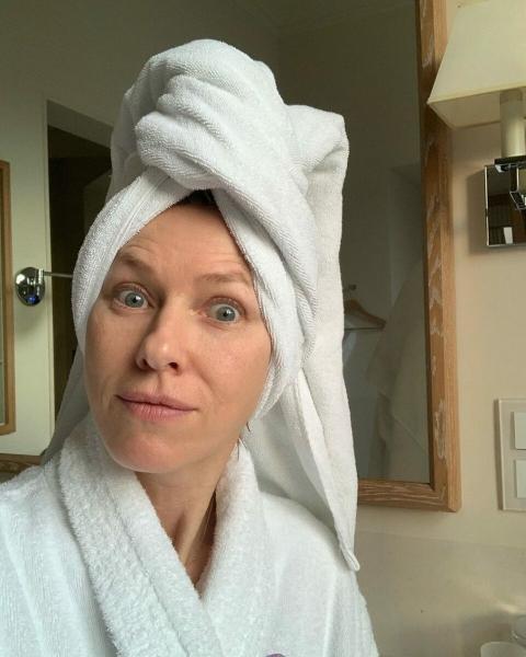 Здоровая кожа: что делает актриса Наоми Уоттс, чтобы в 51 выглядеть на 40?