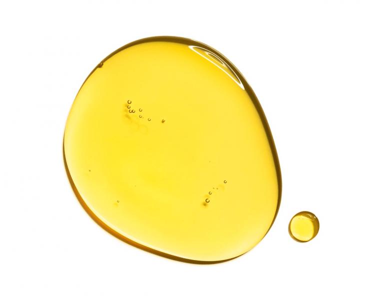 Почему масло для лица стоит включить в уход независимо от типа кожи?