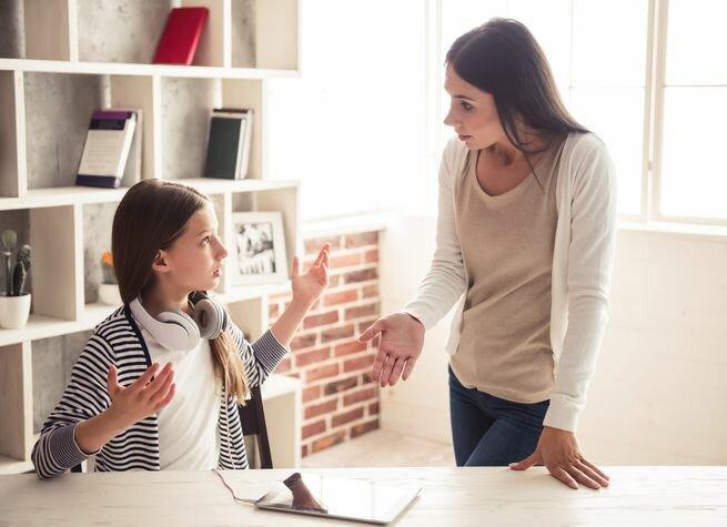 Что делать, если ребенок с вами огрызается? Понять и обнять. И это научно обоснованный совет