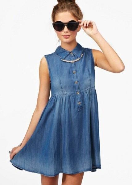 Главные тренды сезона весна-лето 2021 – джинсовые мини-платья
