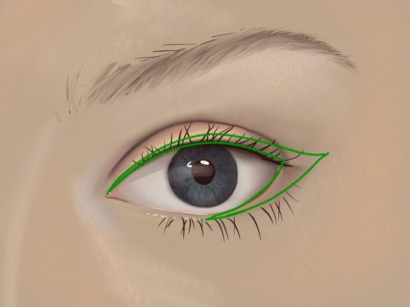 Размытые стрелки - самый модный макияж для возрастного века. Возвращает блеск и выразительность глазам