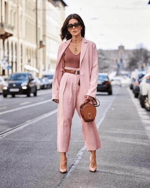 Актуальные брюки, которые станут главными летними хитами в 2021 году