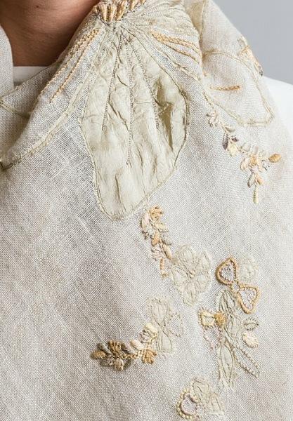 Кутюрье забирает старую одежду и делает из нее роскошные коллекции от кутюр, такой красоты я еще не видела