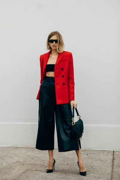 10 идей как выглядеть стильно в красном жакете