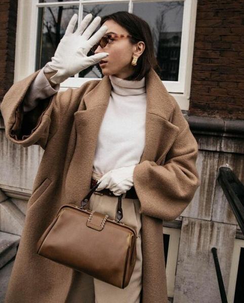 С чем носить водолазку: 13 стильных образов на все случаи жизни