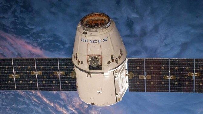 SpaceX запустила в космос новую серию спутников Starlink с лазерами для широкополосного интернета