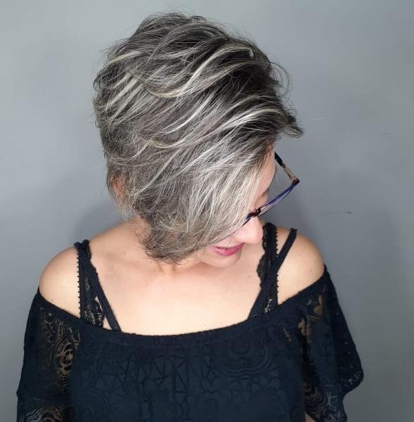 Стрижки после 40 лет с челкой на тонкие волосы: 18 ухоженных и модных идей
